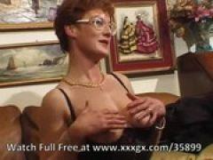 Scharfe Granny träumt von fünf Schwänzen